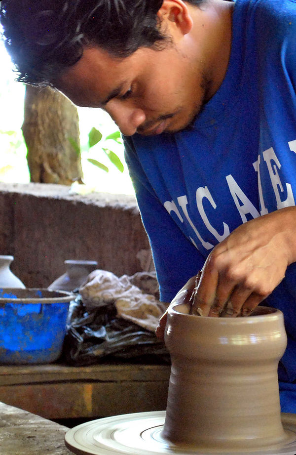 Potter at Work, Nicaragua